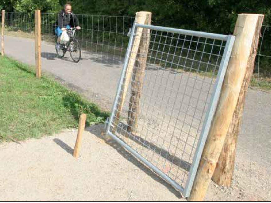ASP Prävention Tierpark Wildgehege Golfplatz Metalltor selbstschliessend