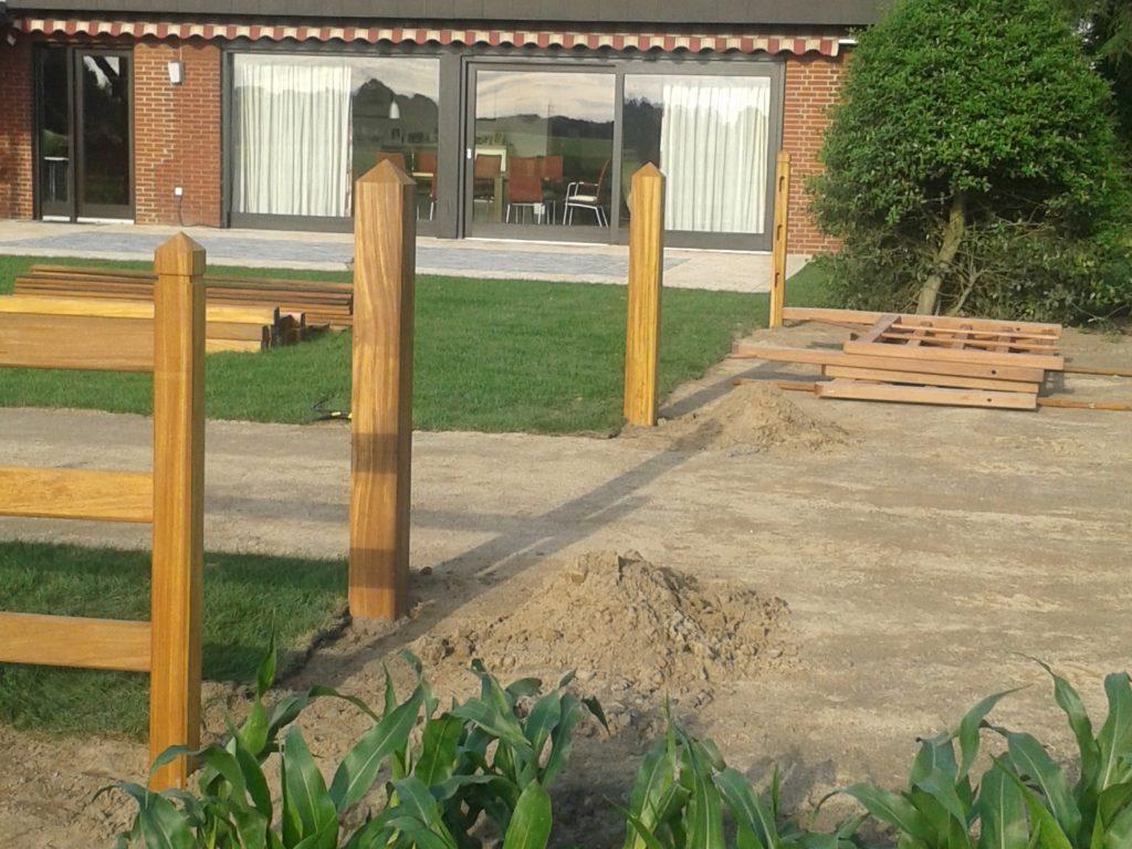 Hartholz Gartenzaun Toranlage