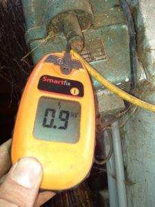 Elektro-Weidezaun Zaunspannung prüfen