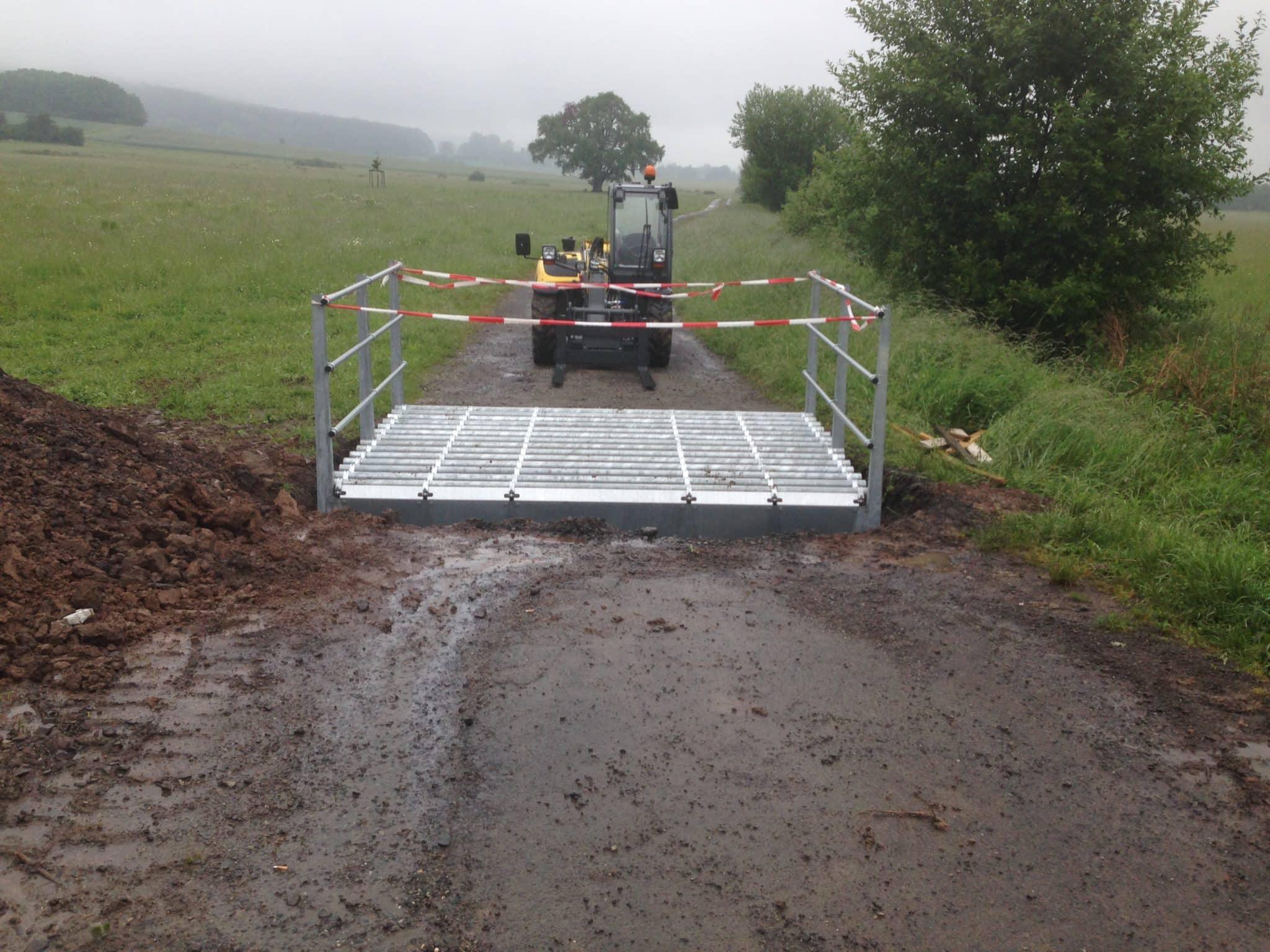 Viehgitter Montage einer Weideroste Transport