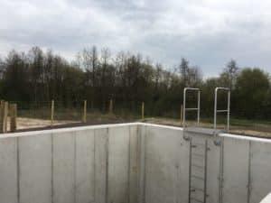 Sicherungszaun um Abwasserbauwerke