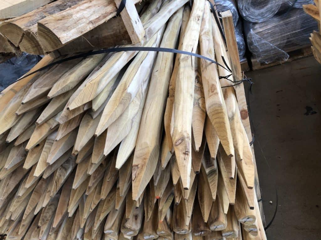Spaltpfosten aus Robinienkernholz