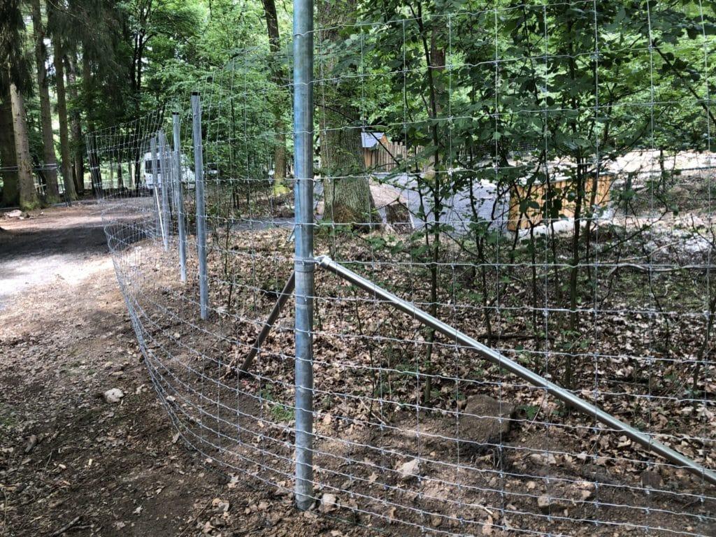 Gehegezaun Wildgehege Tierpark Waschbärgehege Metallpfosten Supernet High tensile Stahl Zaunbau