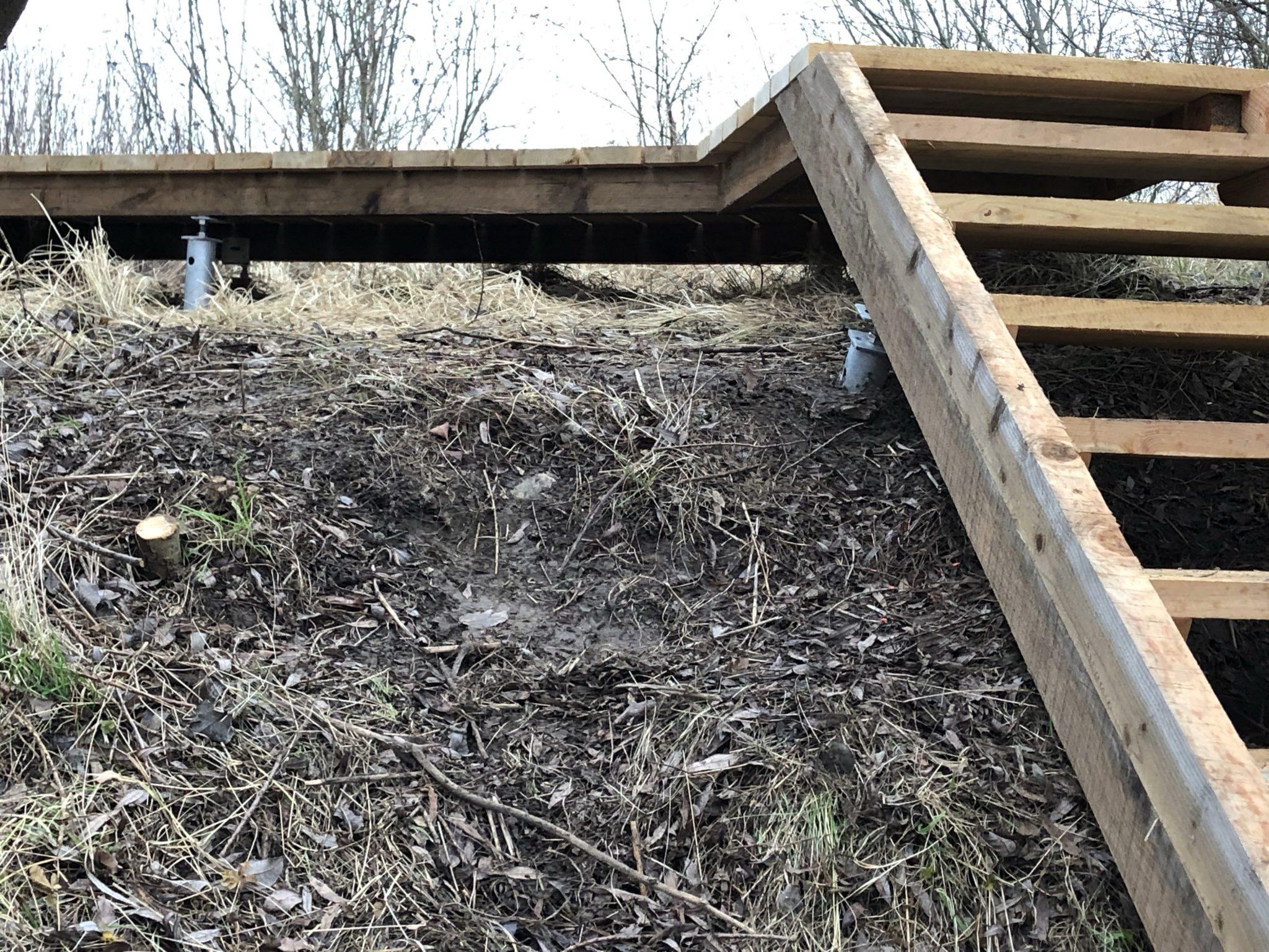 schraubanker Schraubfundament Stege und Treppen in der Natur